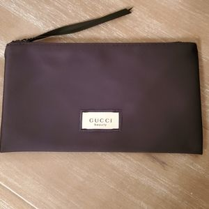 New authentic GUCCI blk satin clutch/pouch beauty